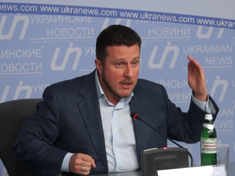 """Нечесний нардеп """"кнопкодав"""": Яценко в Раді проголосував не тільки за себе"""