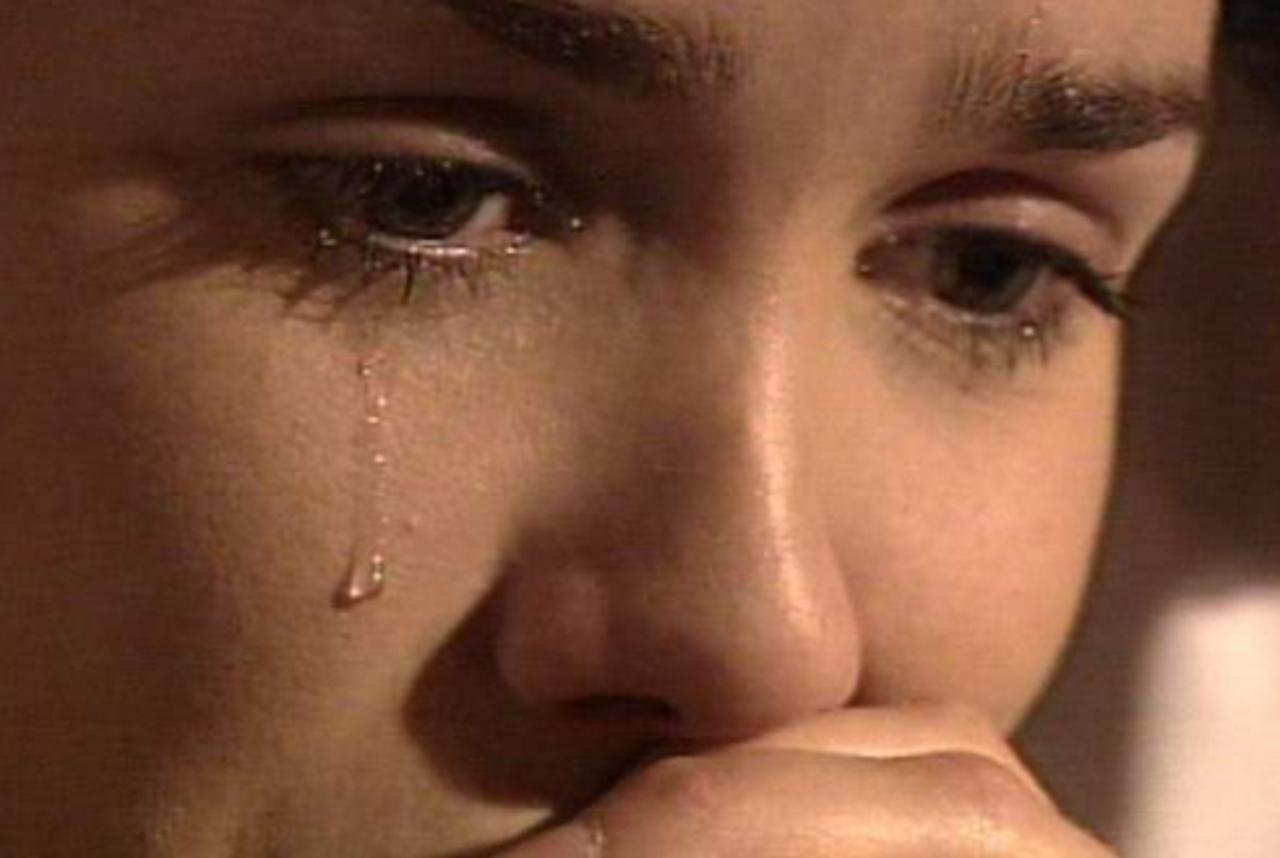 картинки плачущих девушек блондинок