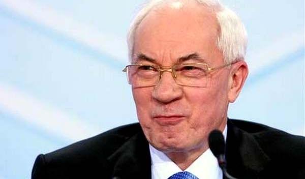 Азаров розповів про кастрюлеголових українців