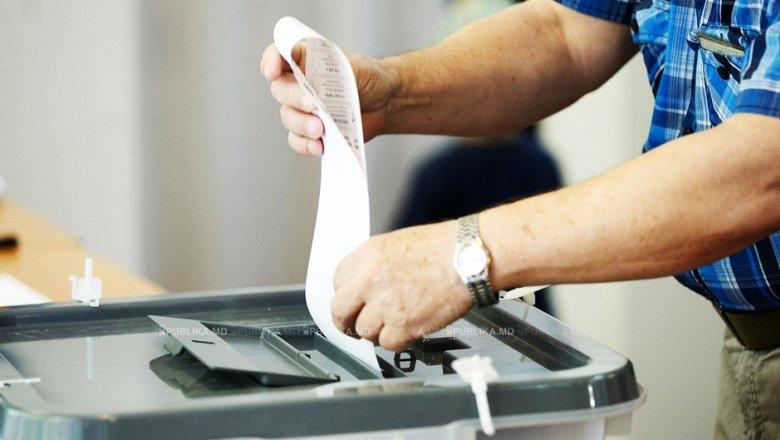 Перші порушення виявили на вінницьких виборчих дільницях