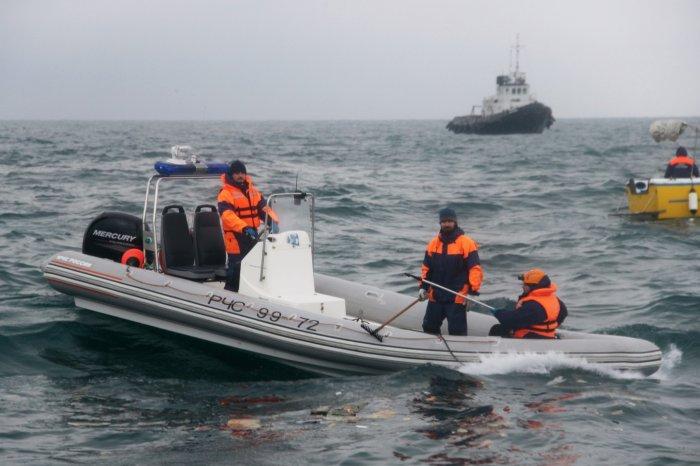 """Катастрофа Ту-154: У морі знайшли """"чорну скриньку""""літака"""
