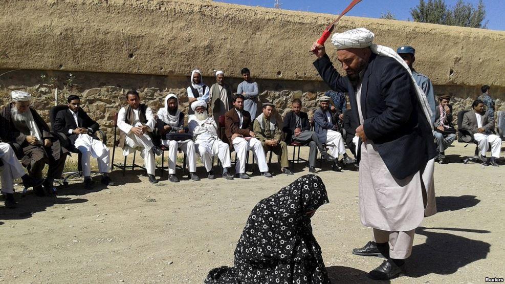 В Афганістані стратили жінку, яка вирушила за покупками без чоловіка