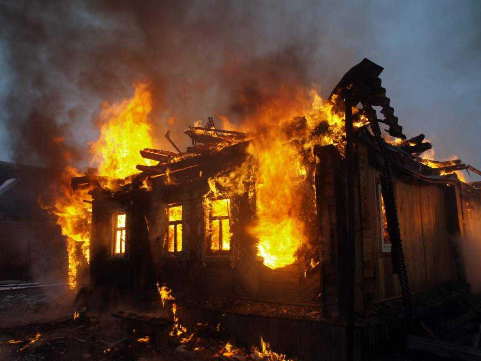 Терміново! На Львівщині трапилася моторошна пожежа