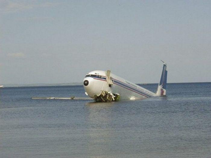 Що сталося насправді? Опублікована остання розмова з літака, який розбився в Чорному морі