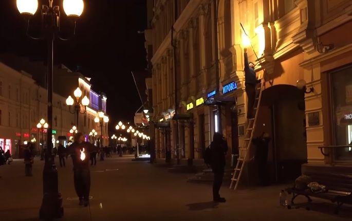 Обережно. Мешканці налякані, у Києві на вулицях з'явився збоченець, який жорстоко побиває жінок.