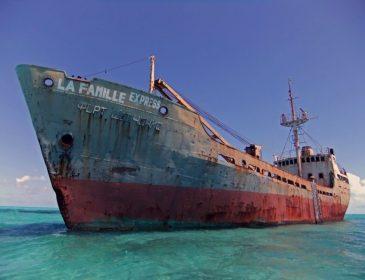 Рідні в розпачі, влада безсила: містичне зникнення корабля з туристами