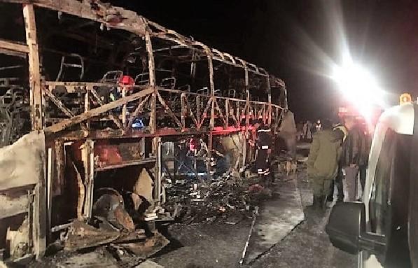 Від цього аж мурашки по шкірі: десять пасажирів згоріли живцем, понад двадцять у критичному стані від опіків (ФОТО, ВІДЕО)