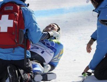 Після такого живими залишаються одиниці: гірськолижниці потрапили в лікарню після моторошного падіння (ВІДЕО)