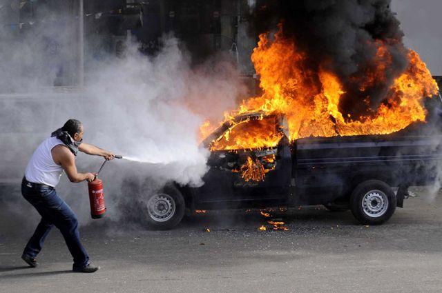 Жахливе явище: машина загорілася прямо на ходу