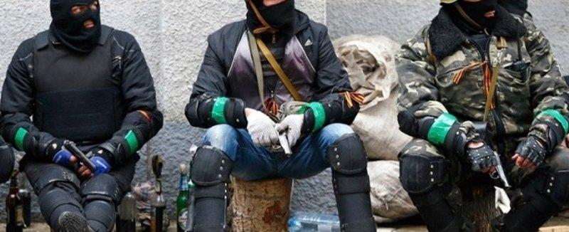 Терміново: під Києвом бандити беруть людей в полон, катують і захоплюють будинки
