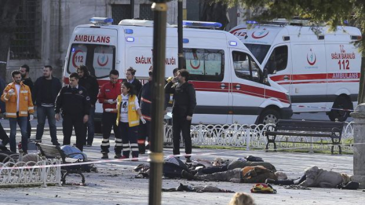 Терорист розстрілював усіх наліво і направо: українка, яка вижила у стамбульському клубі, розповіла шокуючу правду