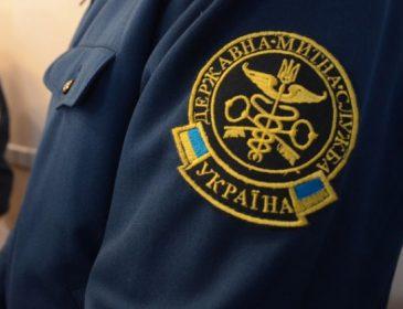Попався: заступника Львівської митниці затримали на хабарі
