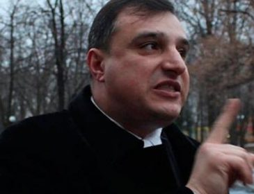Махінації – хитріше не придумаєш: депутат-сепаратист Клінчаєв обдарував квартирою родичку слідчого СБУ, а потім втік в Росію (ФОТО, ВІДЕО) Рука руку миє по-багатому