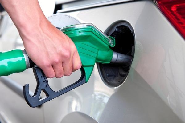 Українцям підняли ціни на бензин – такого різкого подорожчання в Україні ще не було