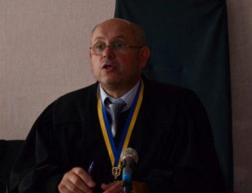Ви тільки уявіть, які в нього апетити: суддя Олег Вищого суду Києва Голяшкін має три квартири і вимагає четверту
