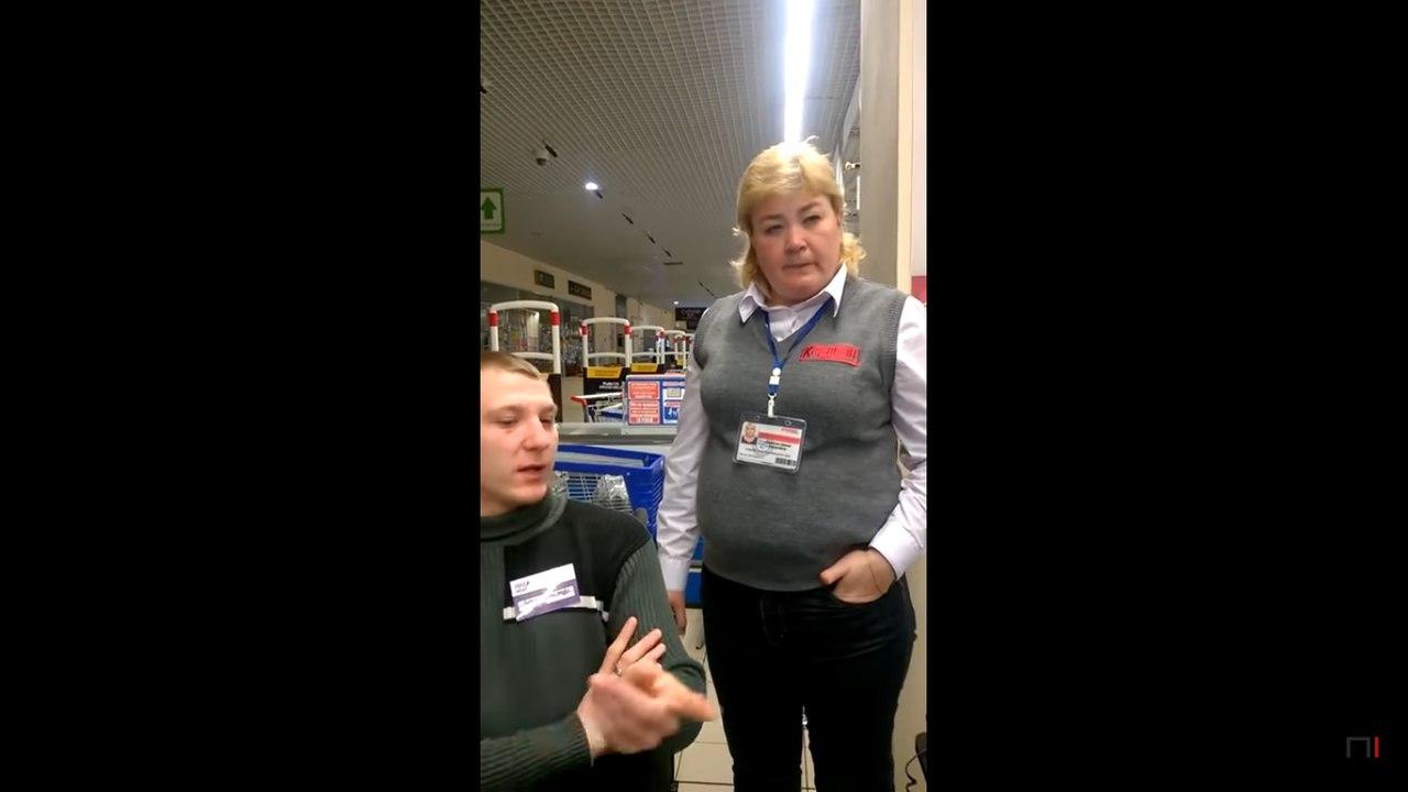 «Я общаюсь на русском!» – касир ТЦ відмовляється спілкуватись українською (відео)