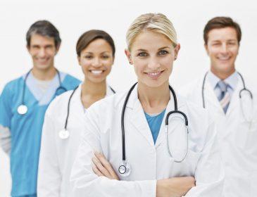 Сімейний лікар: як обрати його та скласти договір, оплата послуг та багато іншого. Все, що вам потрібно знати про новації в українській медицині