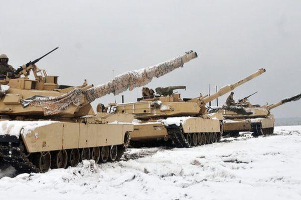 США перекинуть частину танків з Польщі в країни Балтії