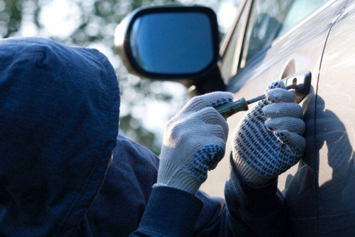 Нацполіція та СБУ впіймали банду, яка крала автівки у народних депутатів та чиновників (ВІДЕО) Подробиці викриття зловмисників вражають