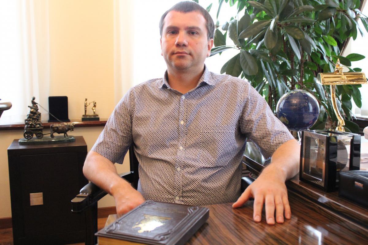 Політ ціною в річну зарплату: Як київський суддя Вовк злітав до Норвегії на приватному літаку