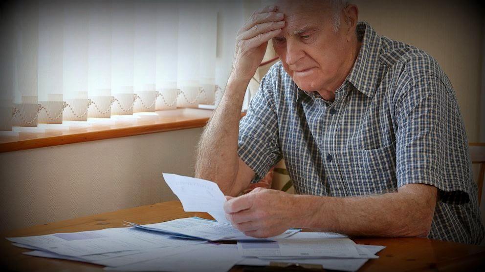 Неприємний сюрприз: українців налякали новими змінами в системі накопичення пенсій