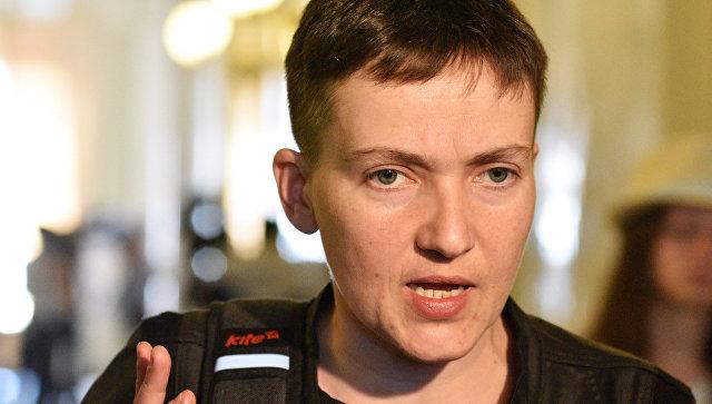 """Усмішка від вуха до вуха: як нардепка Савченко """"куражилась"""" в Парижі. Ви не повірите своїм очам (ФОТО)"""