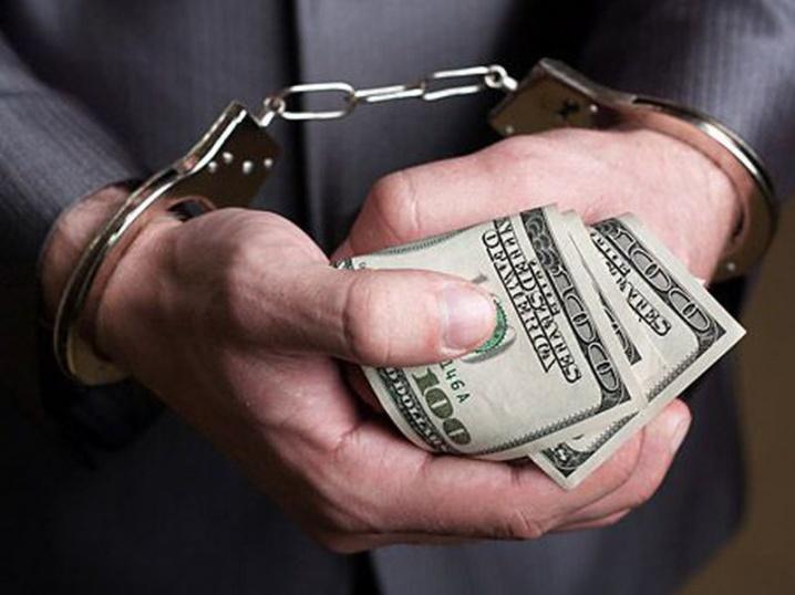 Він взагалі без совісті та честі: директора департаменту НБУ викрили у величезному хабарництві