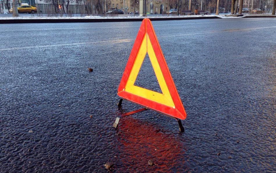 В Києві сталася жахлива ДТП на пішоходному переході збили дівчину (ФОТО)