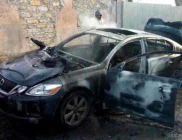Нечувана жорстокість: чоловіка спочатку розстріляли, а потім спалили його разом з автівкою (ВІДЕО)