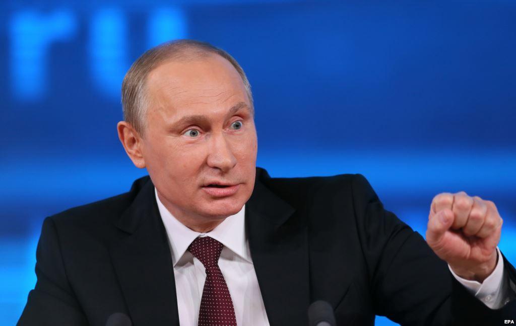 """Стало відомо, навіщо Путін визнав паспорти """"ДНР"""" та """"ЛНР"""""""