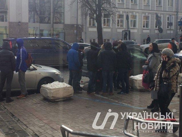 В центрі Києва невідомі напали на голову Інституту національної пам'яті В'ятровича (ФОТО)