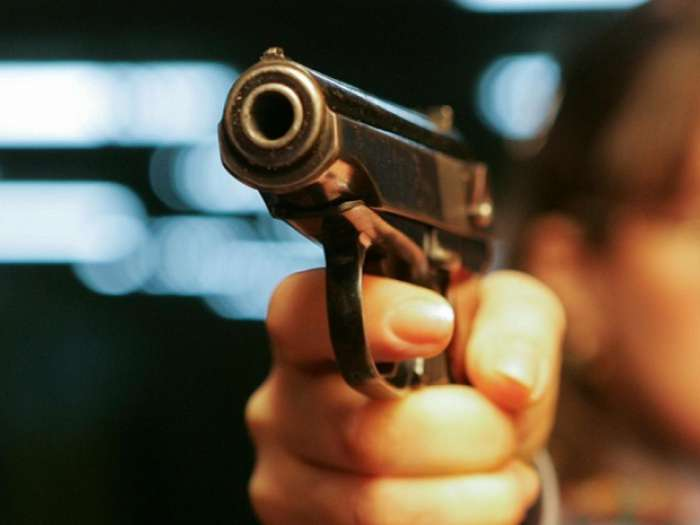 Шок: відомий футболіст застрелив вбивцю його дружини
