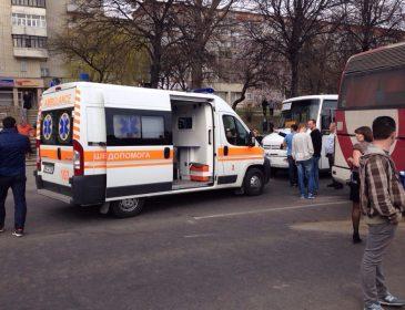 Жахлива трагедія: В Києві перекинувся мікроавтобус. Від побаченого мурашки по шкірі (ФОТО)