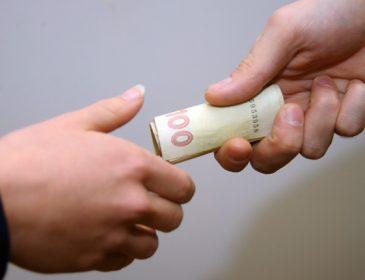 В Україні середній хабар становить 1350 євро при зарплаті в 144