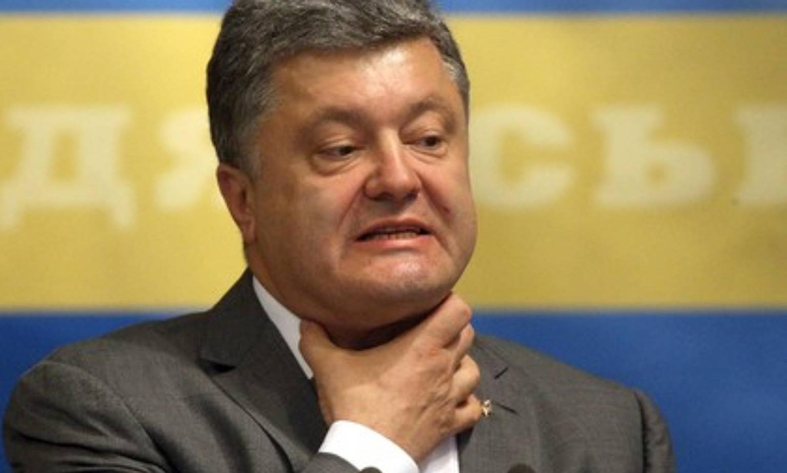 Чиновник поплатився за словесну перепалку в Одесі з Порошенком (ВІДЕО)