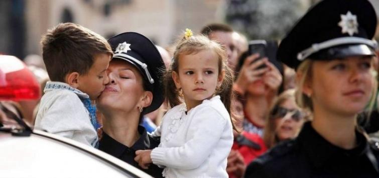 Ніжність проти насильства: МВС створить підрозділ жінок-поліцейських
