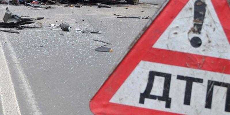 Жахливе ДТП на Львівщині: легковик перекинувся і загорівся, загинула дівчина