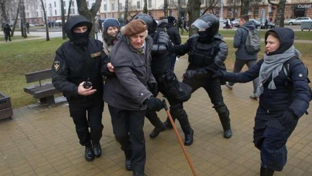Які ризики для України несуть заворушення в Білорусі