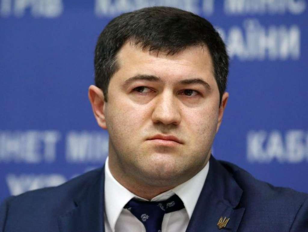 У мережі з'явилося відео як Насірову зачитують підозру просто в ліжку (ВІДЕО)