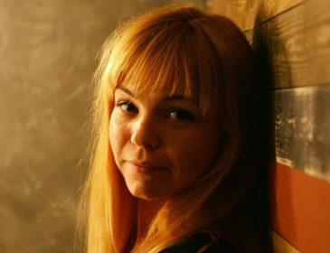 Молоденька, та не дурненька: чим відома головна люстраторка та екс-помічниця Барни Анастасія Задорожна (ФОТО)