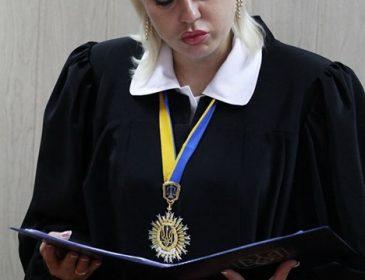 Аж щелепа відвисає: стало відомо, що задекларувала скандальна суддя Оксана Епель. Ви будете в шоці від побаченого (ФОТО)