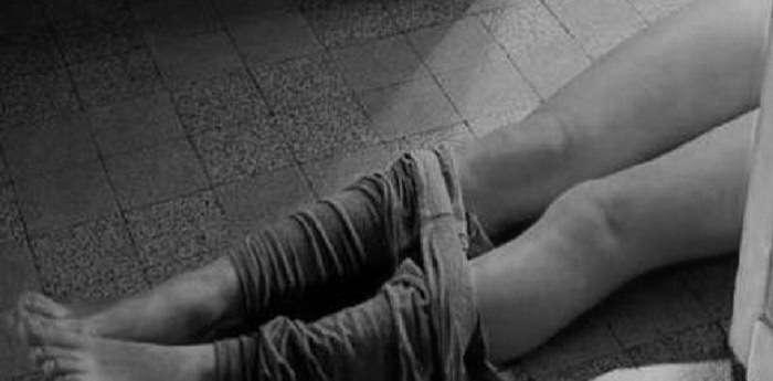 фото как мужики насилуют девушку