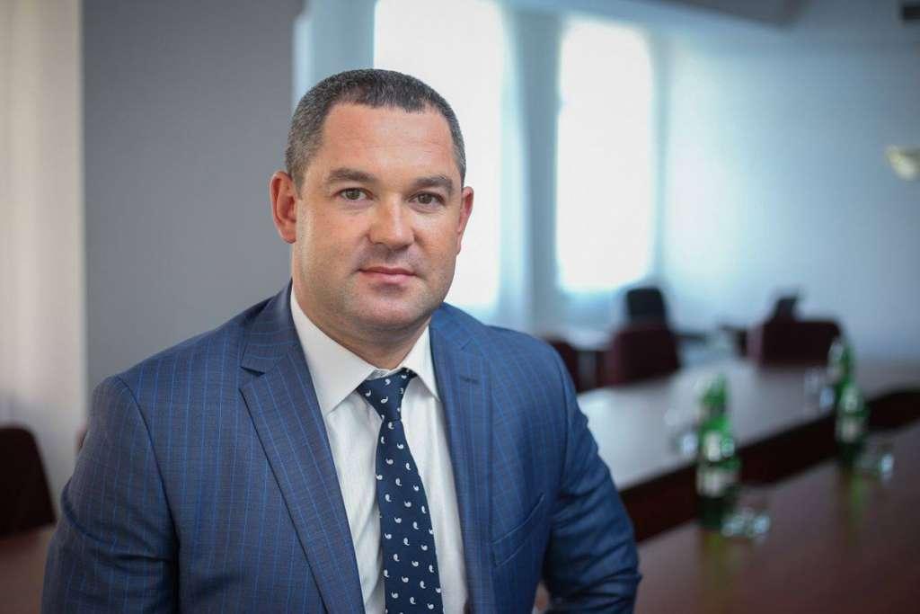 Призначений замість Насирова новий керівник ГФС оформив LEXUS на 70-річну маму