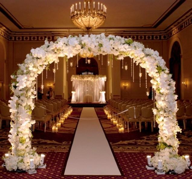 Найдорожче весілля в Україні: сукня ІЗ ЗОЛОТА, елітні авто, нереальна розкіш. Мережа в шоці (ВІДЕО)