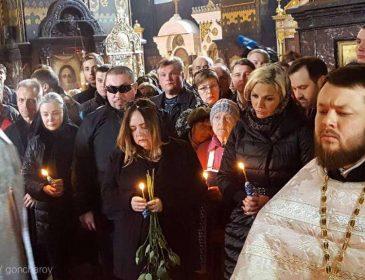 Про це всі говорять: те, що зробила вдова Вороненкова на похороні навело жах на всіх присутніх