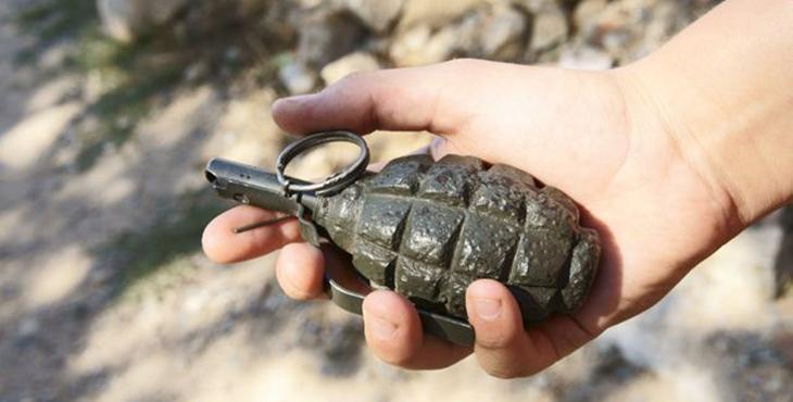 Небезпека скрізь: у Львові чоловік ходив по вулиці з гранатою