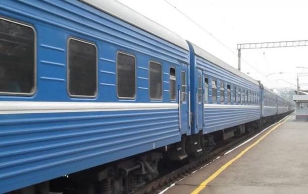 Терміново! На Львівщині пасажирський потяг збив працівницю станції