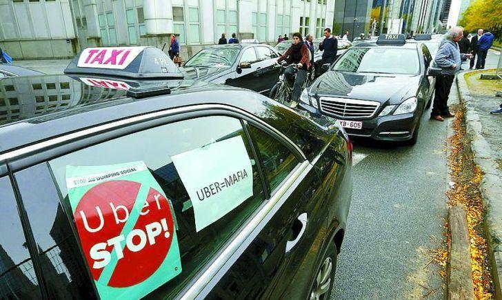 Бунт таксистів у Львові: Які вимоги висунули водії владі. Тільки не впадіть!