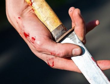 Серце обливається кров'ю : Батько зарізав рідного сина!
