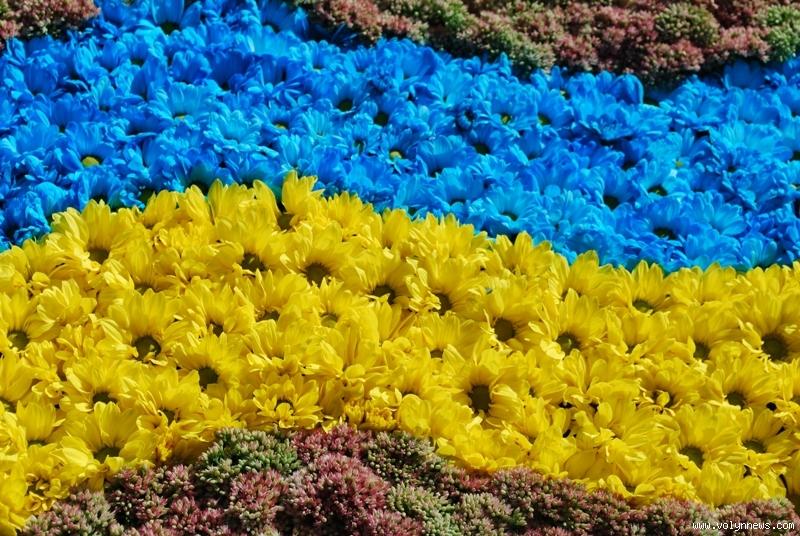 """""""Майже без вихідних"""": представлений декомунізований календар свят в Україні. Що ж нам залишили?"""
